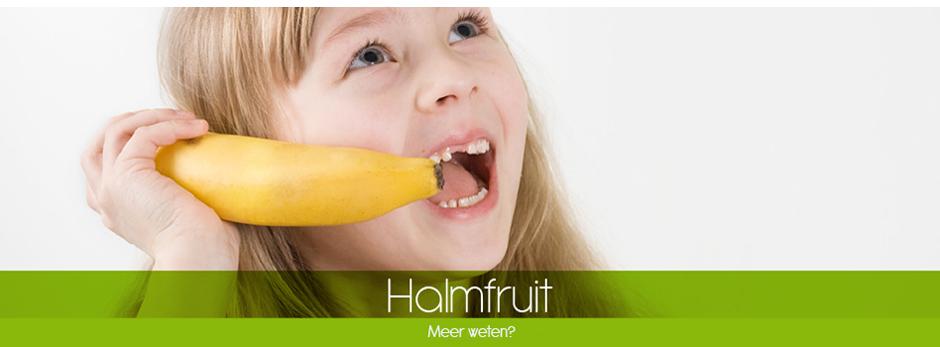 Meisje belt met banaan